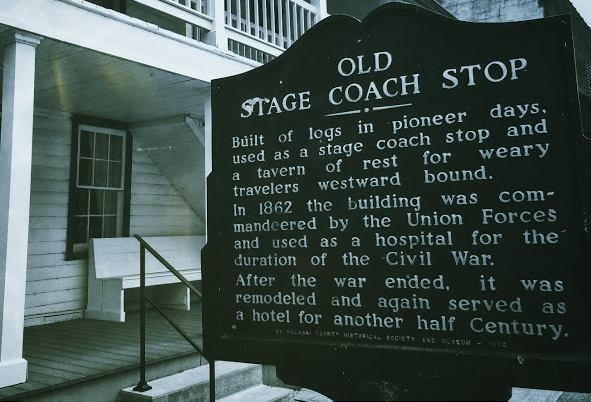 Historic marker outside the Old Stagecoach Stop in Waynesville, Missouri. Image by Laura Huffman.