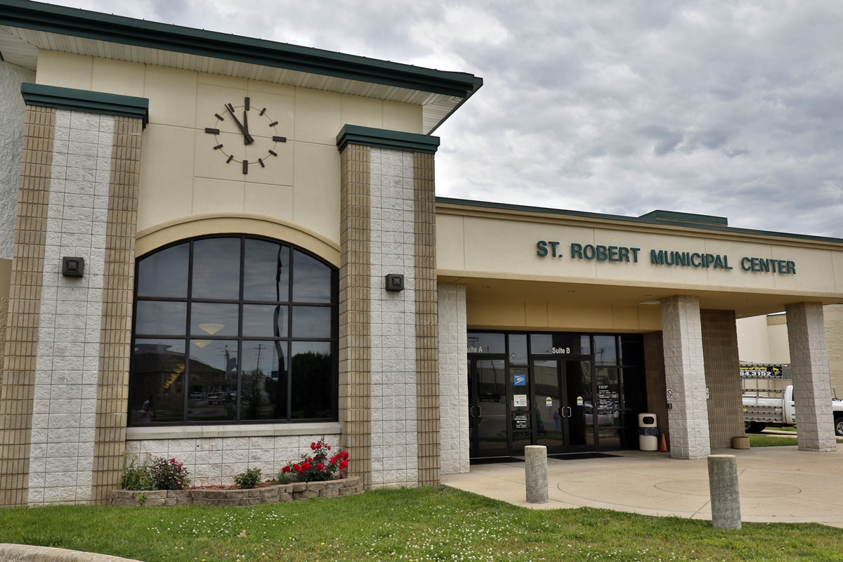 St. Robert Municipal Center is home to the Saint Robert Museum. The museum is a fascinating look at the city's growth as a military boom town on Route 66. Image by Pulaski County Tourism Bureau.