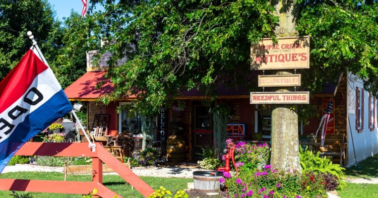 Triple Creek Antiques in Crocker, Missouri